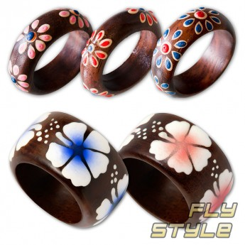 Ladys ring from Wood with different Floral Motifs – picture 1