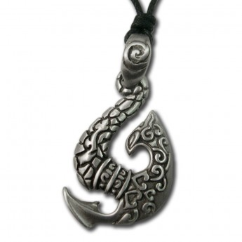 Colgante de Estaño Maori Fish Hook III
