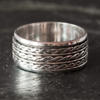 Meditation / Move ring with celtic braided pattern – picture 2