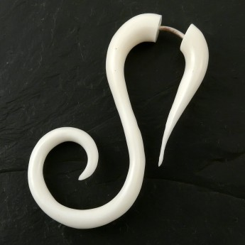 Fake Piercing Spiral Ear-Hangers from Horn or Bone – picture 2