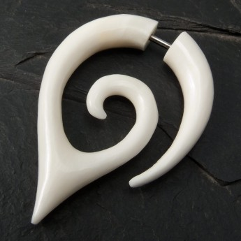 Fake Piercing Spiral from Horn or Bone – picture 3