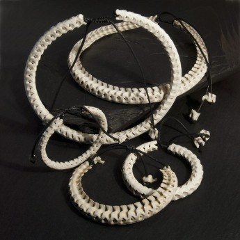 Bracelet, necklace or key chain made ​​from real snake bone in various colors and thicknesses – picture 12