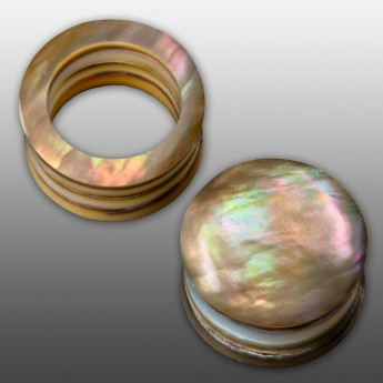 Layered Mother-Of-Pearl Tunnel or Plug – picture 1