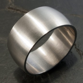 Classic and wide Stainless Steel Ring – picture 2