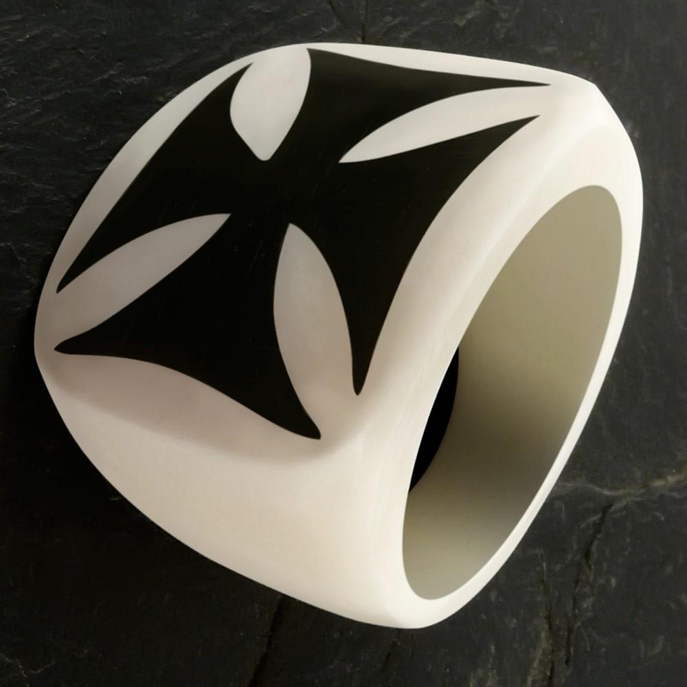 Knochen Ring mit Horn Inlay Eisernes Kreuz Ringe